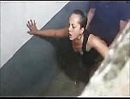 Flagra De Professora Bêbada Trepando Com Ficante No Banheiro Da