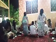 Arab Muslim Girls Dancing Traditional (Pt. 1)