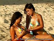 Asian Beachbeauties Couple