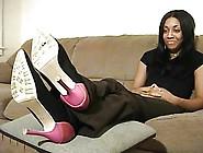 Ghetto Girl Giving A Nylon Footjob