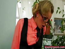 Pussy Licking Glamour Lesbos