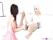 Sexy Lesbian Teens Sammie Daniels And Tysen Rich