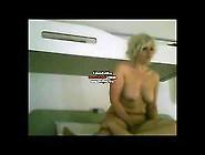 Cette Salope Blonde A Compris Que Pour Reussir Fallait Ecarter L