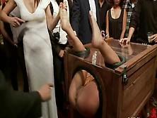Публичные унижения фото фото 354-158