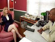Bellissima Nina Hartley Si Fa Scopare Da Un Uomo Di Colore