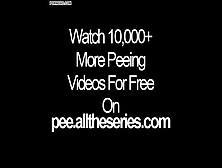 Lesbians Peeing