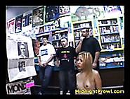 Dark Skinned Blond Bitch Presents Steamy Deep Throat In Public