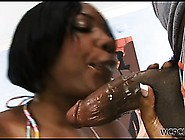 Ebony Babe Jiggles Her Ass On Phat Cock