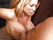 Mulheres Peitudas Gozando Com Força