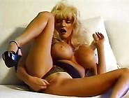Blond Bombshell Milf Chrissy Maxx
