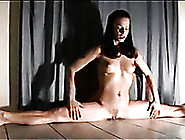 Flexible Sexy Brunette Girlie Rides Dildo In Unusual Way On Webc