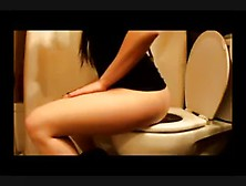 Sexy Girl Farting And Pooping