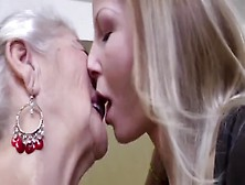 Daughter Taste Mother Pussy