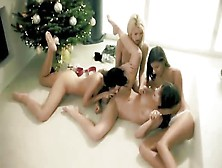 All Girls Foursome Lesbian Fuck Session