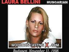Laura Bellini  nackt