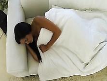 Грабят спящую девушку видео — pic 6