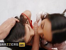 Brazzers - Getting Threesome In The Hospital With Two Gorgeous Babes Lasirena69 & Luna Star