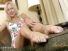 Payton Leigh In Foot Fetish Movie - Auntjudys