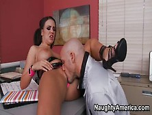 Handsome Trimmed Emily Parker Giving A Great Blow Job