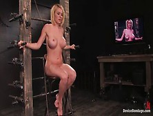 Heavenly Krissy Lynn en la increíble película BDSM Xxx